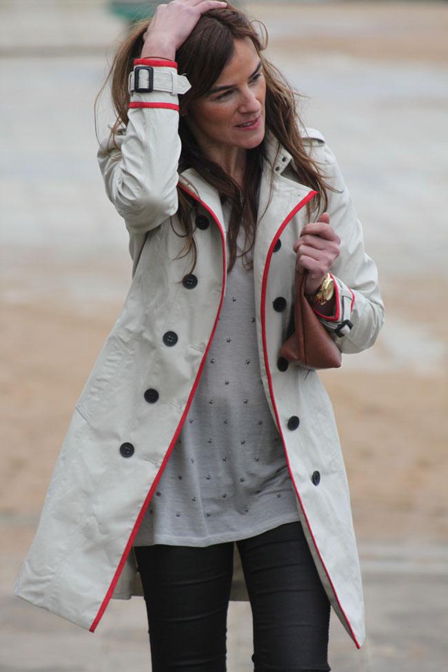 raincoat-red-details