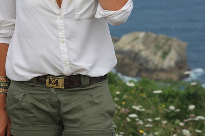 Sandalias Luis Onofre , camisa Blanca , Shorts