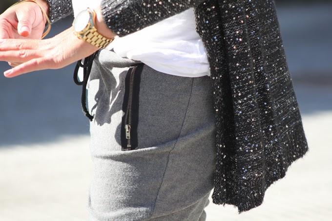 Pantalon tipo chandal , chaqueta paillettes,botines Luxax, Vero Moda