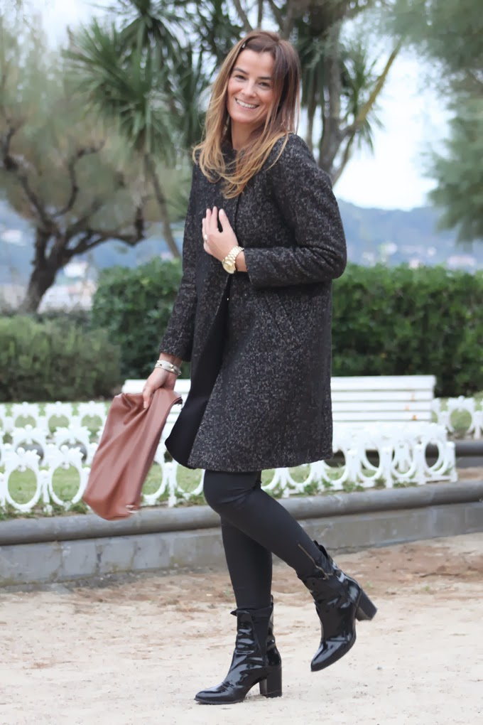 abrigo H&M , Botines Charol Zara.escuestiondestilo