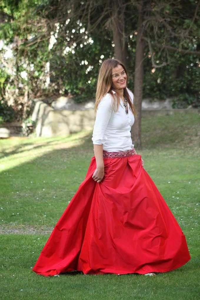 Reyes Magos ,Falda Roja Larga , Marian Irastorza , Collar Zara , Sandalias Luxax,Lucía Díez