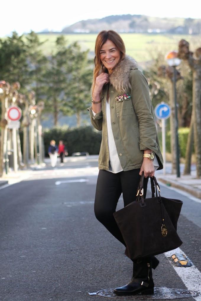 Biker Zara , Bolso Lotusse , Gafas Ray Ban , camisa Zara ,pulsera Mango