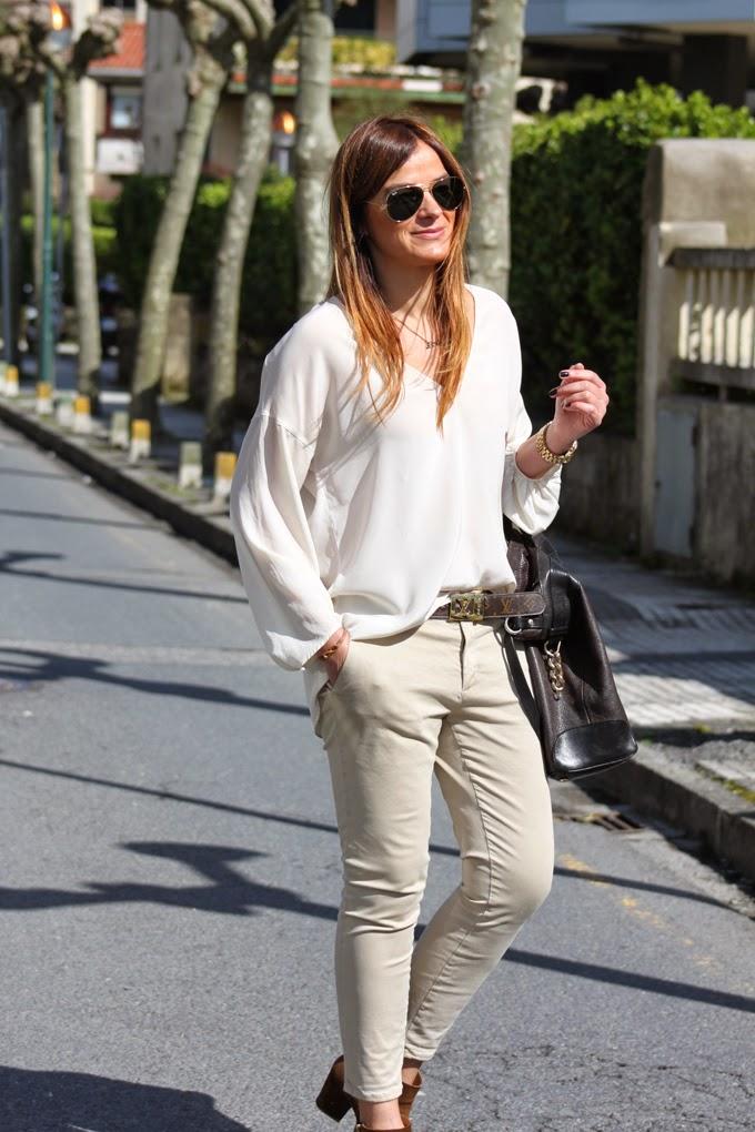 camisa seda Cruda , gafas ray ban ,pantalon chino zara , bolso etro ,