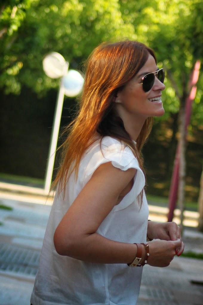 Camisa Blanca , Tienda online , es cuestion de estilo , pantalones verde militar , Lucía Díez