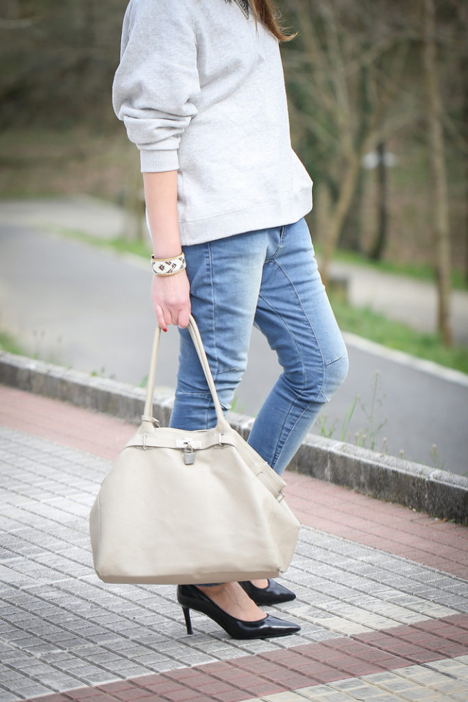 Pantalón cargo , es cuestion de estilo , lucía díez , streetstyle , blog , brazalete