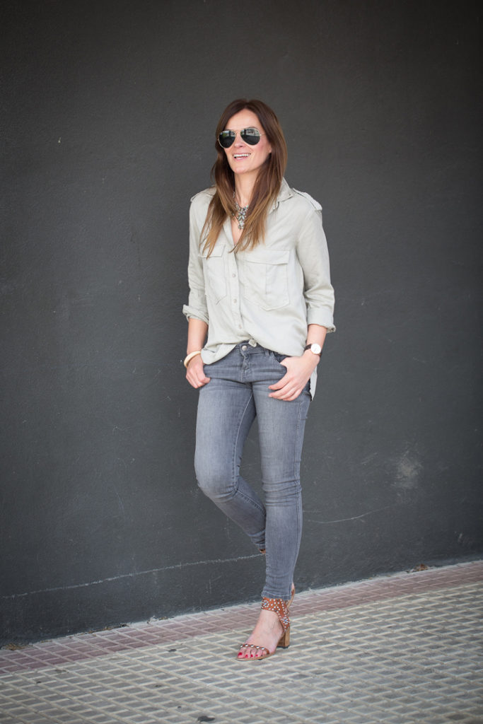 Isabel Marant , Pitillo Gris , Zara , Camisa militar , ray Ban , Lucía Díez , escuestiondestilo , street style,