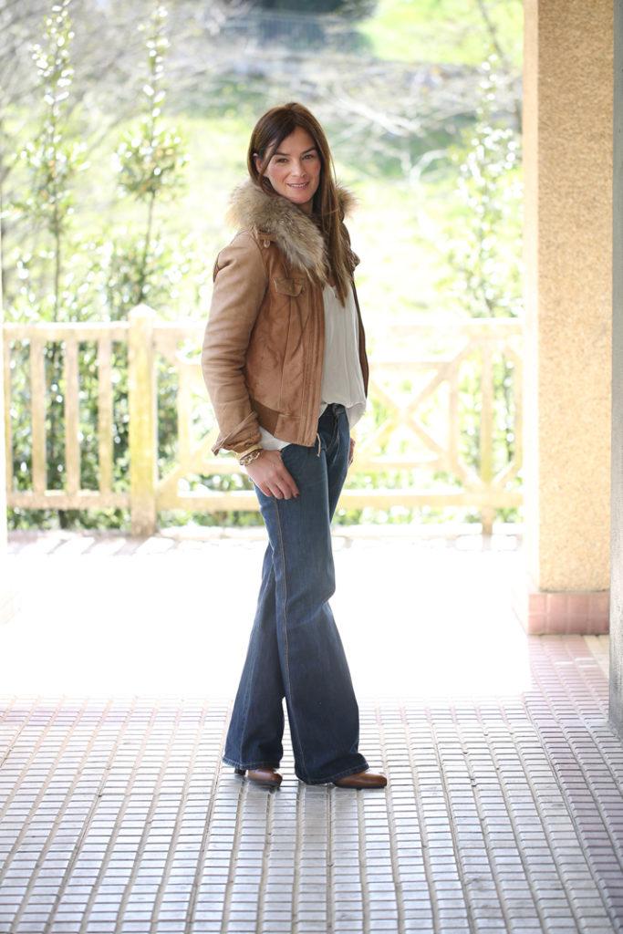 Años 70 tendencias , es cuestion de estilo , Lucía Díez , street style, pantalón campana , chaqueta cuero pelo