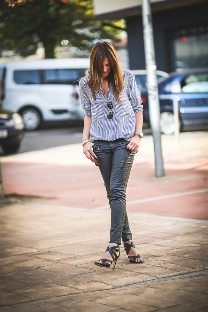 Pantalón encerado , zara , es cuestión de estilo , Lucía Díez , sandalias , Ainhoa Etxeberria,