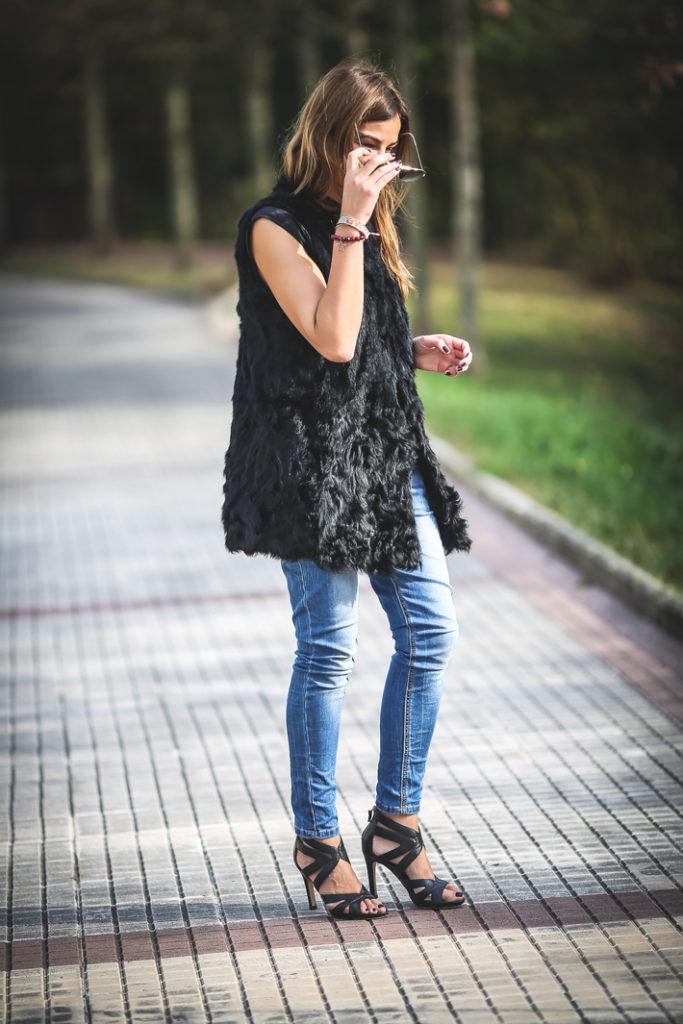 Cáncer de mama , es cuestion de estilo , Lucía Díez ,Pulsera Solidaria ,chaleco pelo , Sandalias