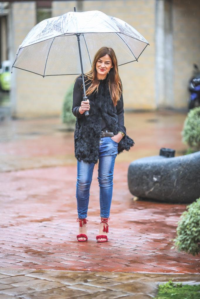 Detalles , rojo , look invernal , es cuestión de estilo , ivan perez fotógrafo , Lucía Díez , sandalias .moda , tendencia , street style,