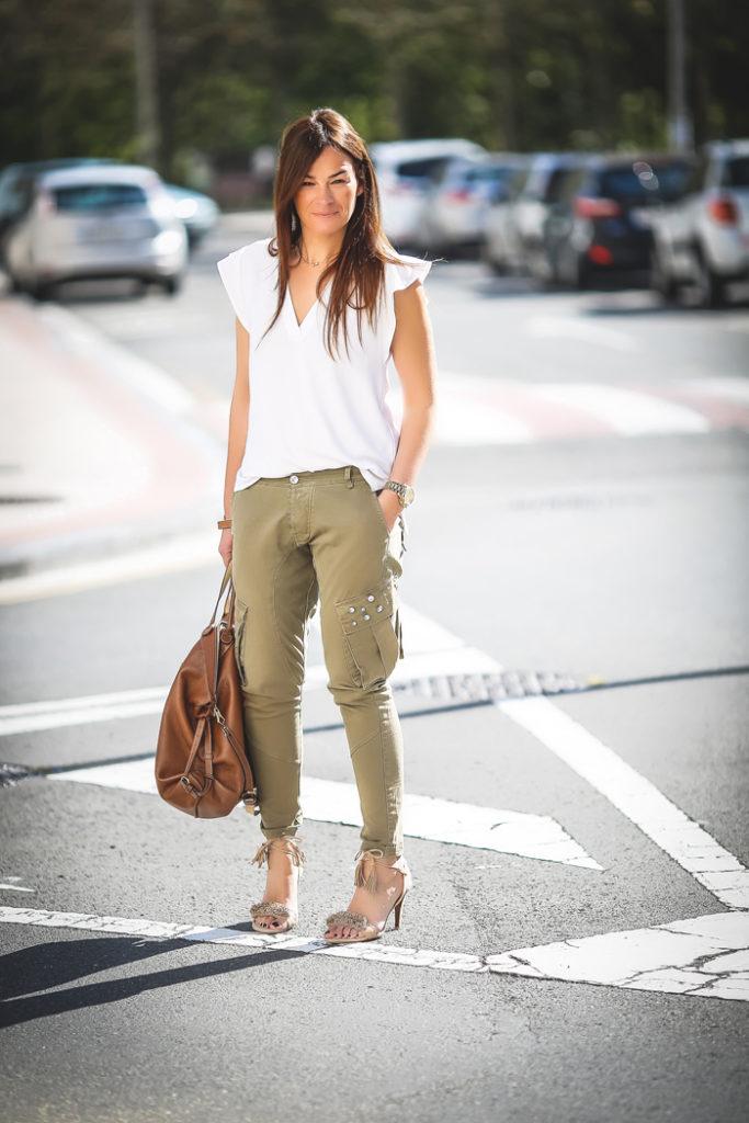Sandalias , pantalón verde militar , es cuestion de estilo , Lucía Díez , Personal Shopper