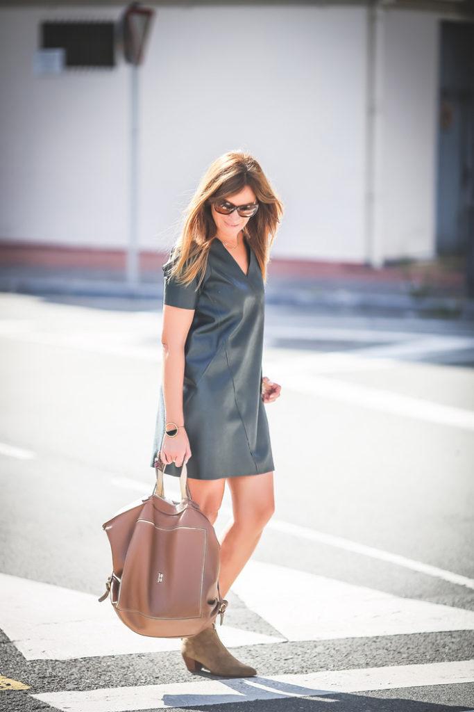 vestido verde encerado , Es cuestión de estilo , Lucía Díez , Personal Shopper , Moda , trendy , tendencias , street style, San Sebastián