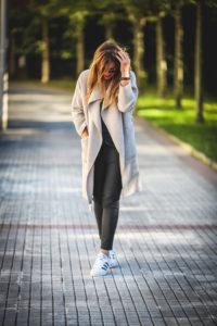Abrigo +Top Lencero +Sneakers