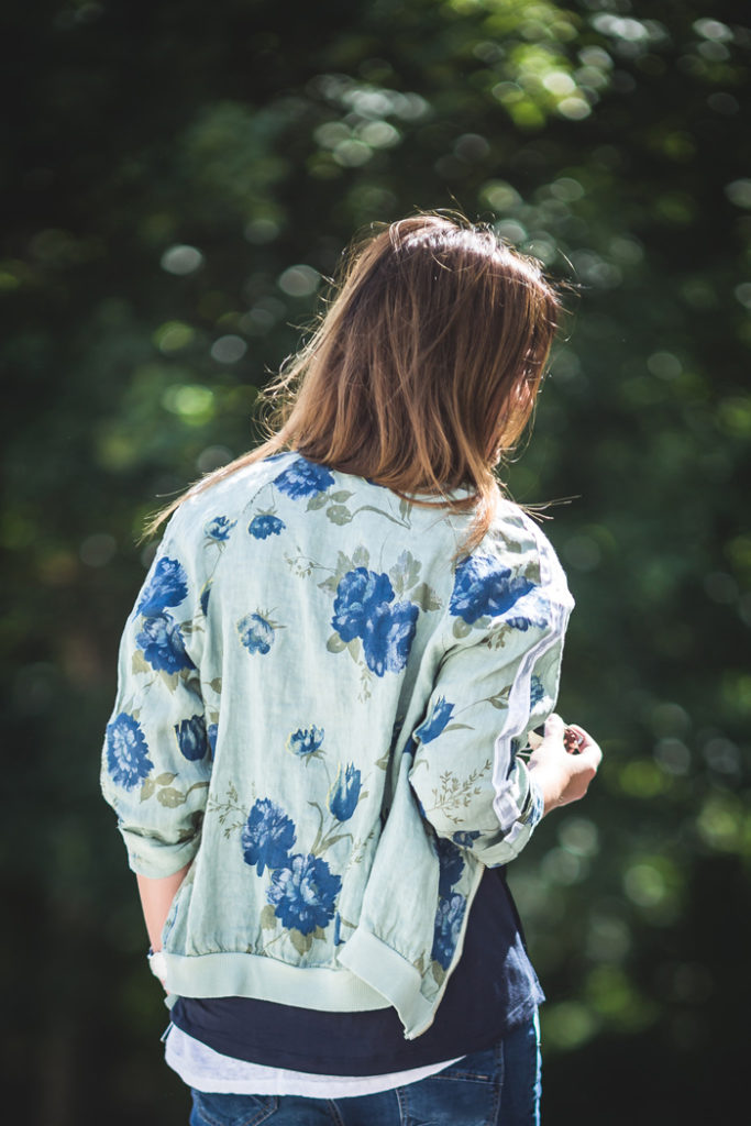 Bomber flores , es cuestión de estilo , Personal Shopper ,Lucía Díez