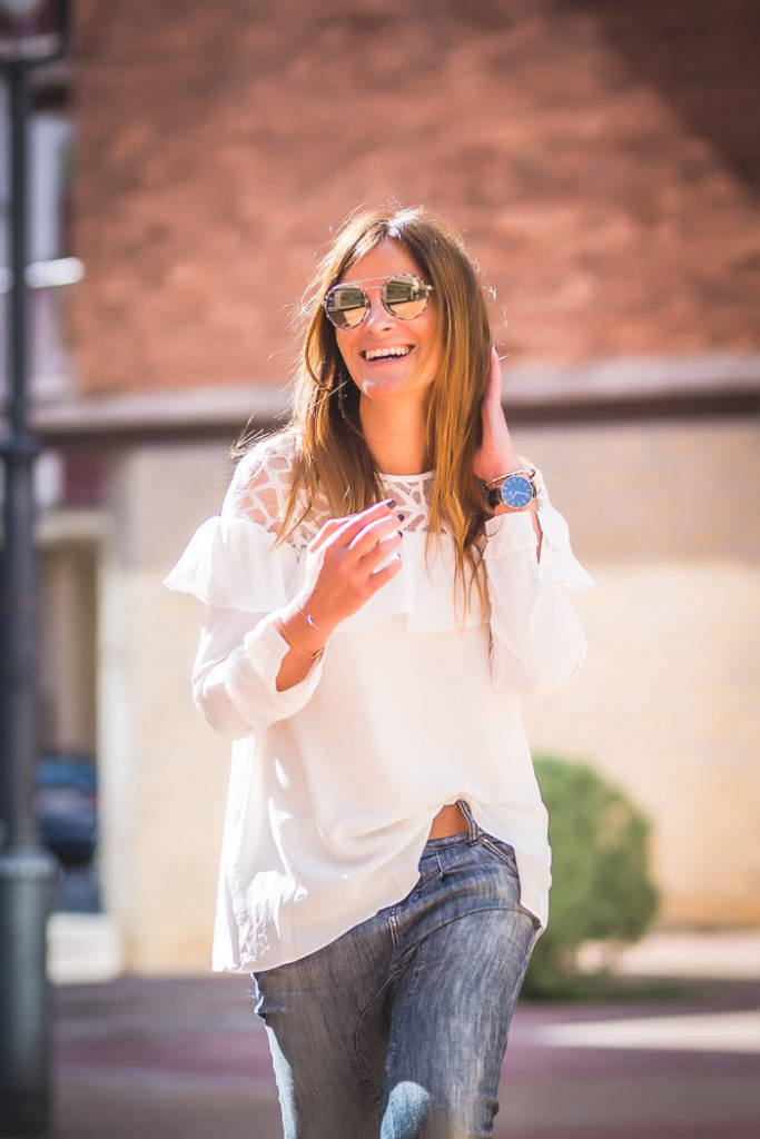 ´Es cuestion de estilo, Prada , gafas , Lucía Díez ,volante , camisa blanca ,tienda online , personal shopper