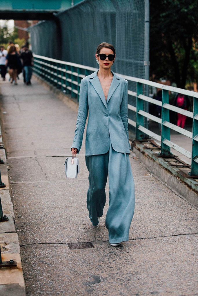 tendencias , 2018,ultra violet , violet , riñonera, es cuestión de estilo , personal shopper , Lucía Díez , estilo style, zapatos, San Sebastián