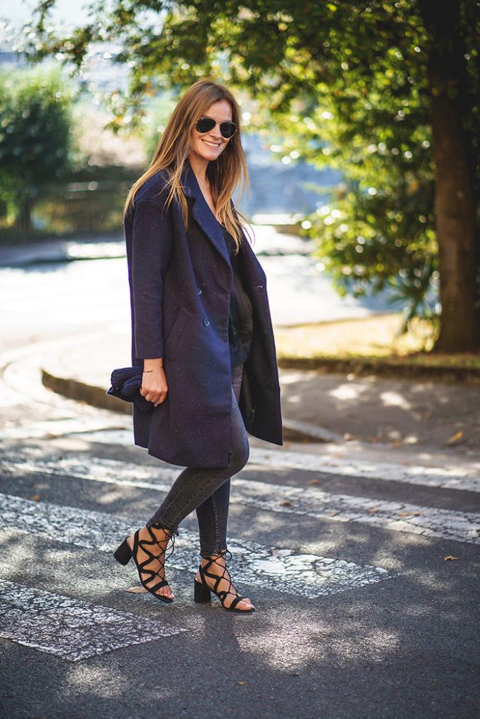 Abrigo, Otoño, look de otoño, Sandalias y abrigo, Lucía Díez, escuestiondestilo, personal shopper,San Sebastián