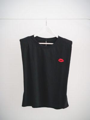 Camisa Negra con hombreras